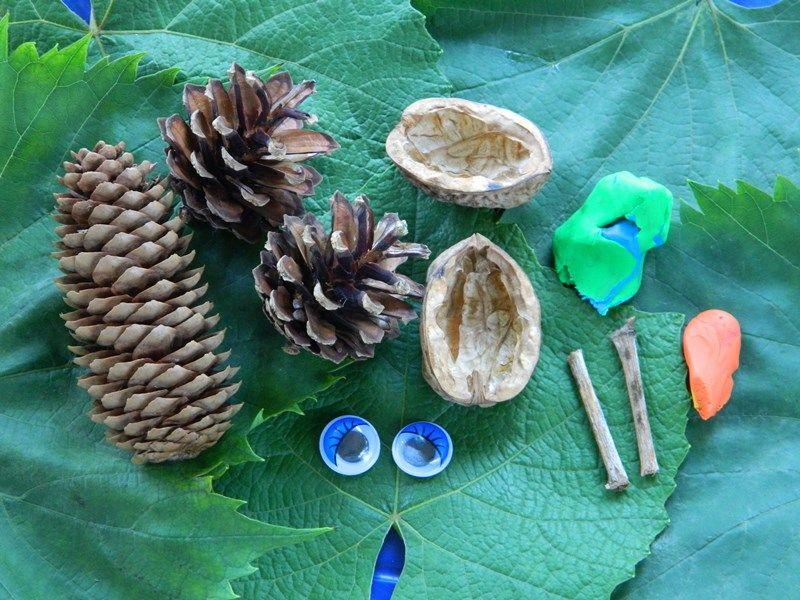 Юджин Крабс из природных материалов