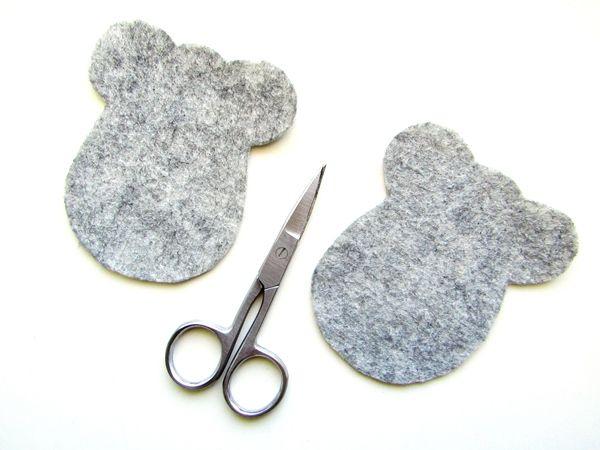 Мышка из серого фетра