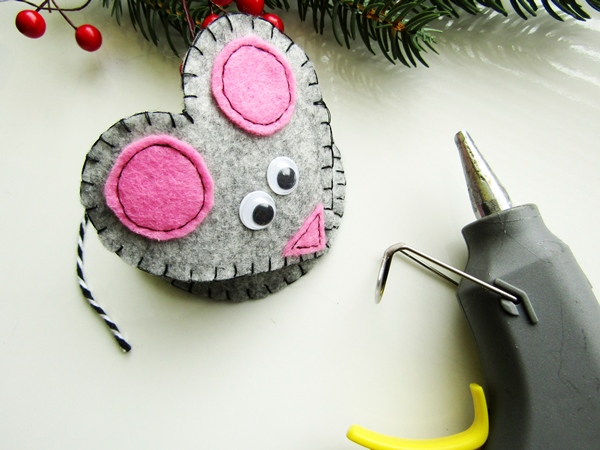 Серая мышь: игрушка из фетра