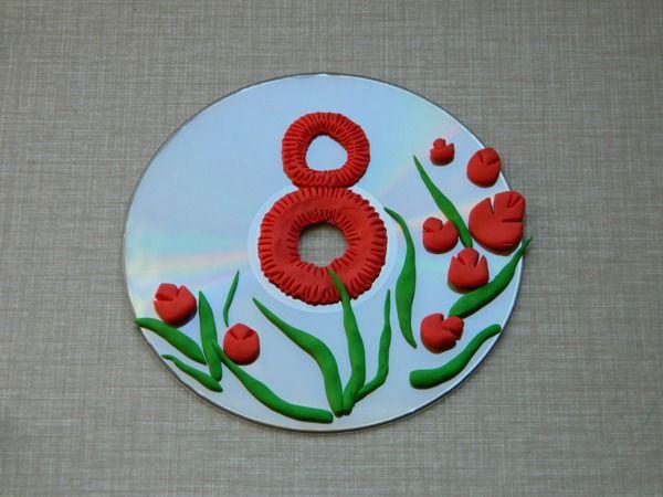 Панно из диска и пластилина Букет к 8 Марта