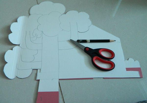 Детская поделка из цветной бумаги Домик на дереве