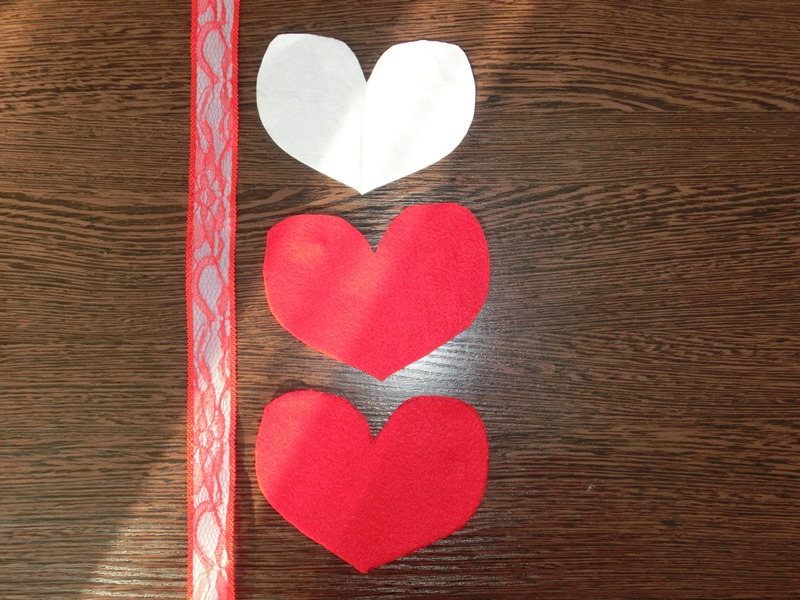 Сердце и шар из фетра на елку
