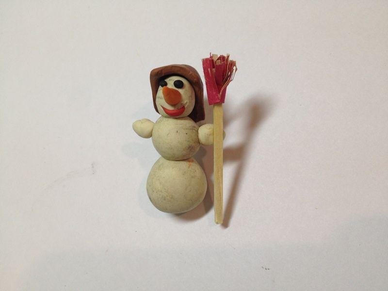 Как сделать снеговика из пластилина