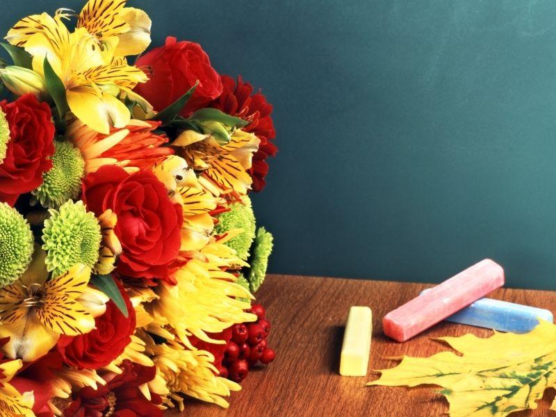 Поздравления с Днем учителя 5 октября для детей в стихах