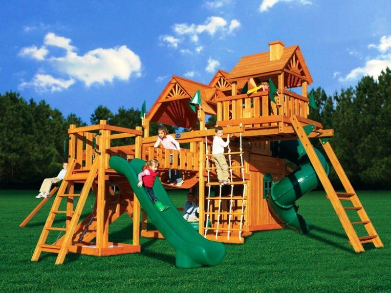 Лучший подарок ребенку: детские игровые площадки
