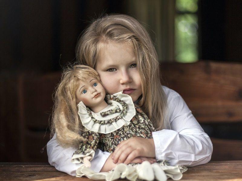 Как выбрать самую красивую куклу для девочки