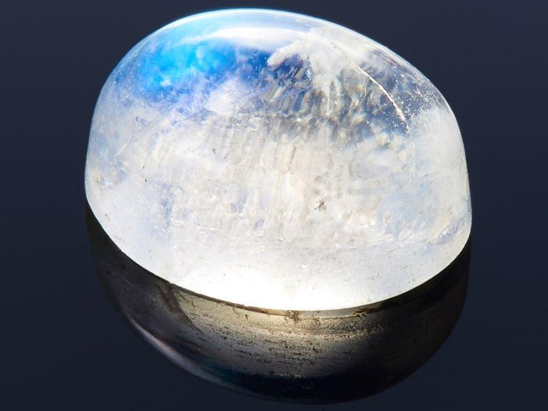 Лунный камень и здоровье человека