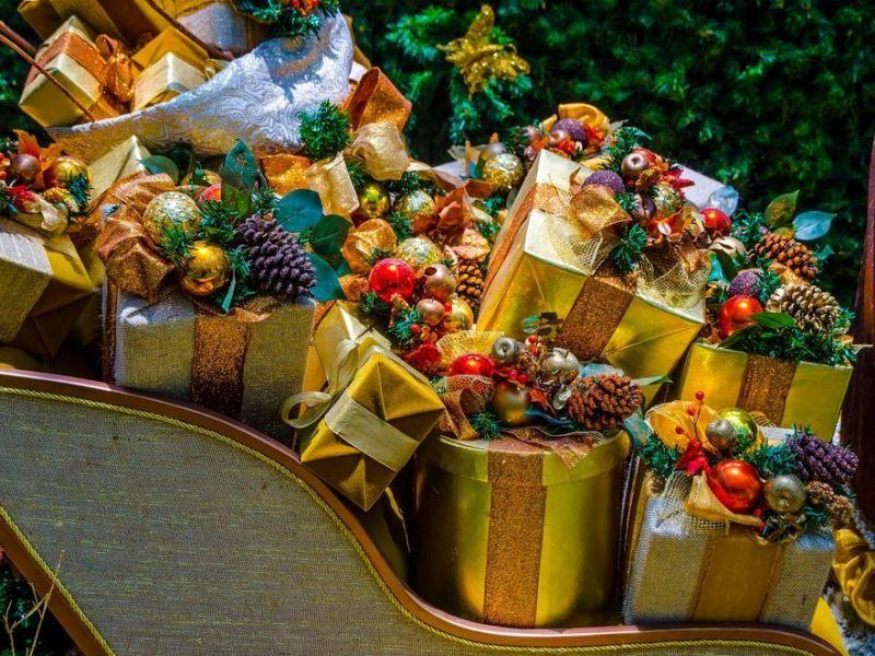 Новогодний подарок из сладостей – сюрприз для всех