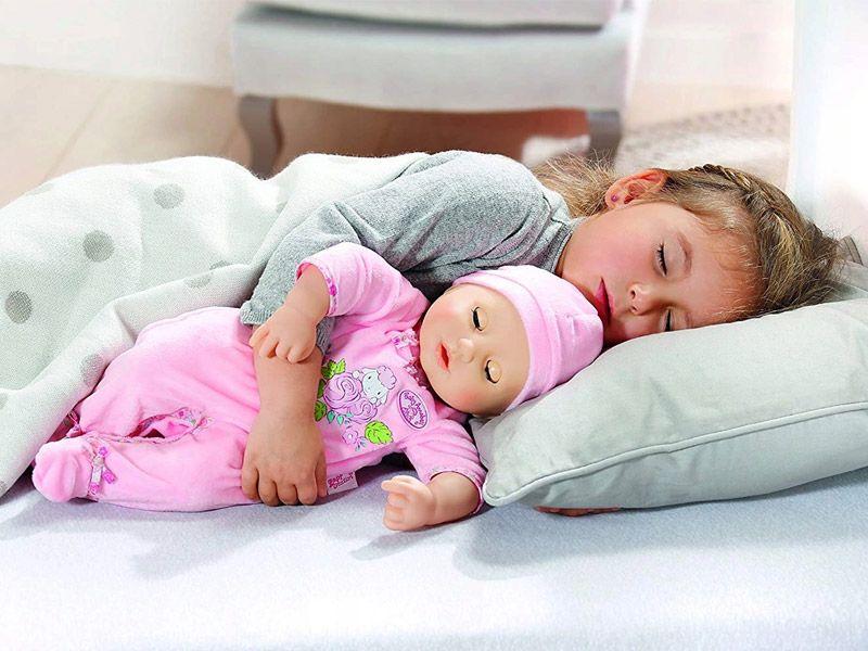 Спящая красавица: интерактивная кукла «Бэби Аннабель» из Германии
