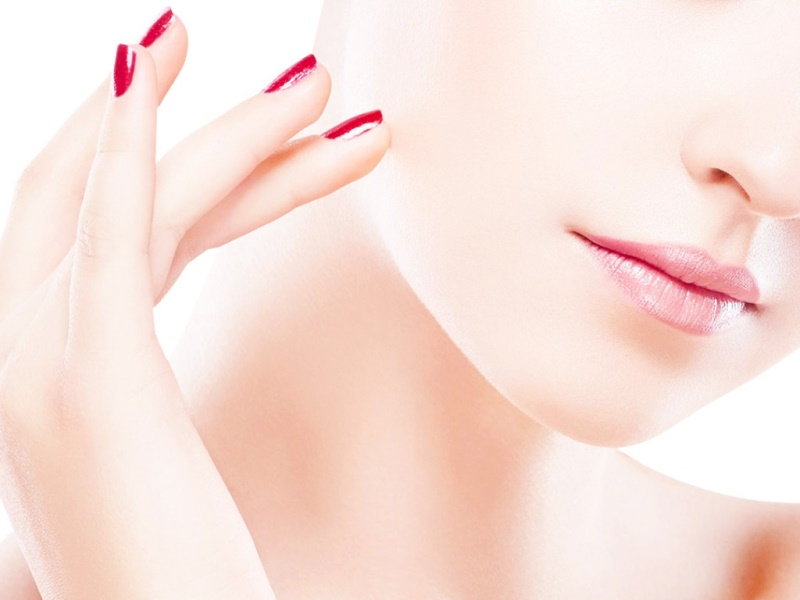 Причины высыпаний на коже лица у женщин