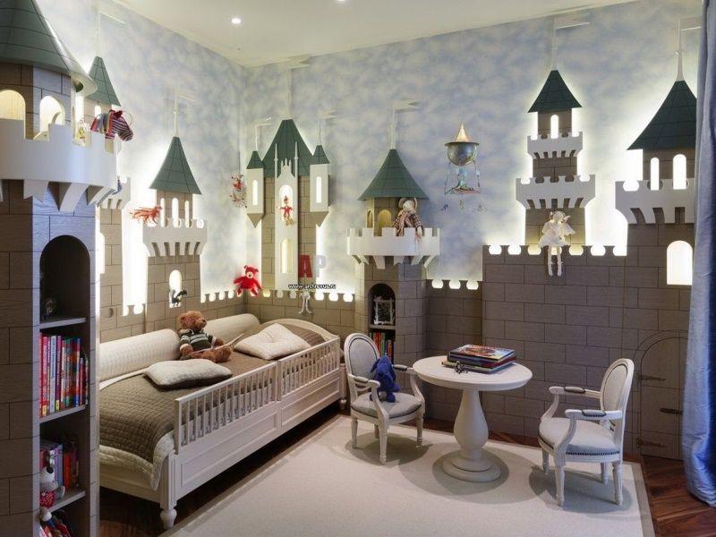 Сказочная детская комната: волшебные краски, песочные часы и любимые герои