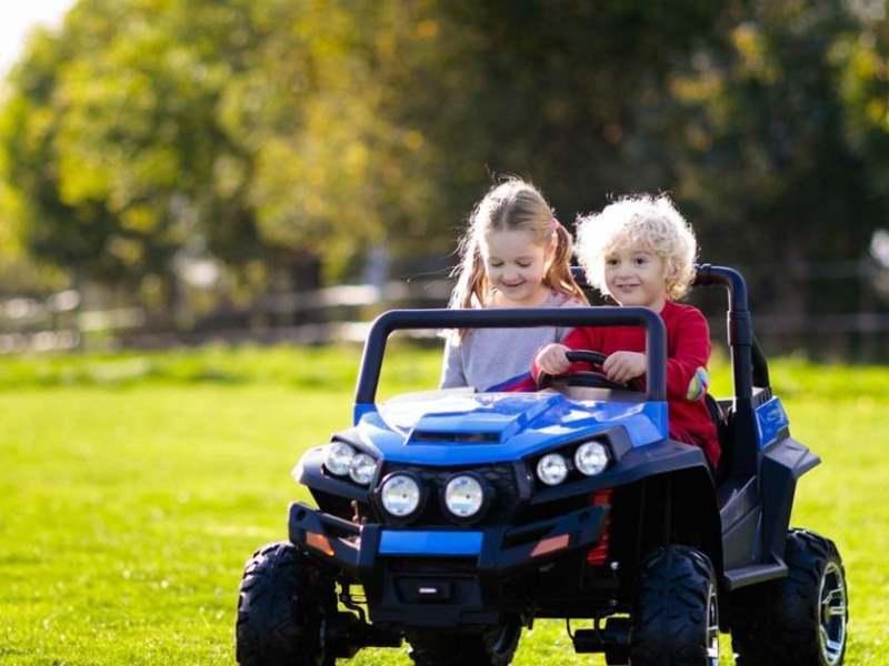 Какой электромобиль выбрать для ребенка 7-8 лет: виды и особенности детского транспорта