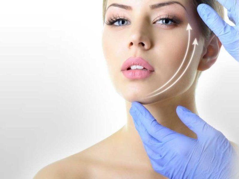 Как подтянуть лицо без операции? Популярные методы омоложения