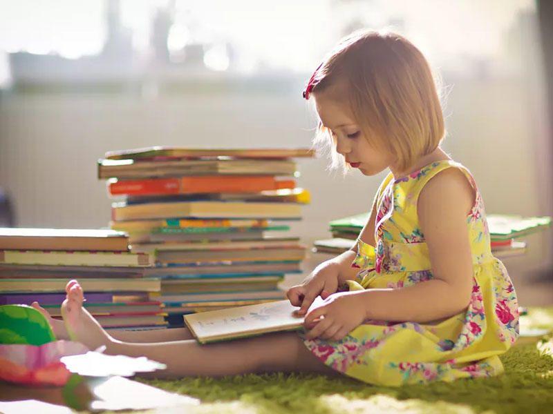 Как приучить ребенка читать книжки