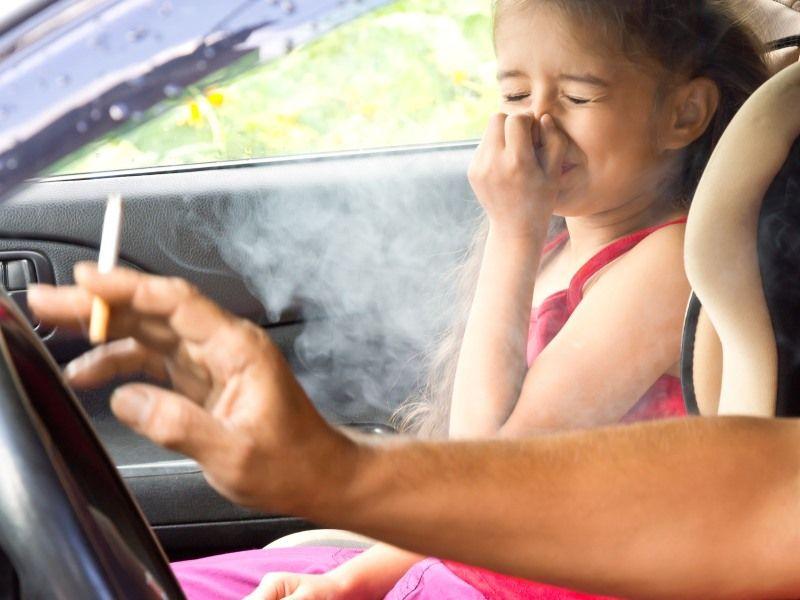 Чего нельзя делать родителям в присутствии детей