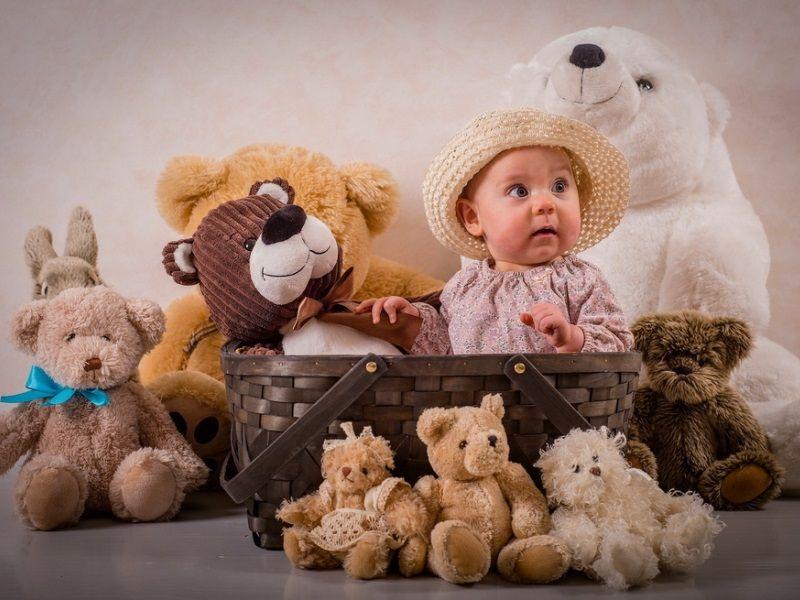 Какие игрушки помогают детям развиваться