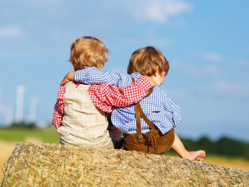 Как научить ребенка дружить: ищем способы завести друзей