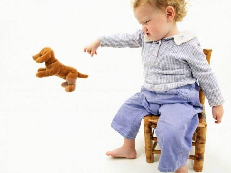 Почему дети ломают игрушки: 5 основных причин