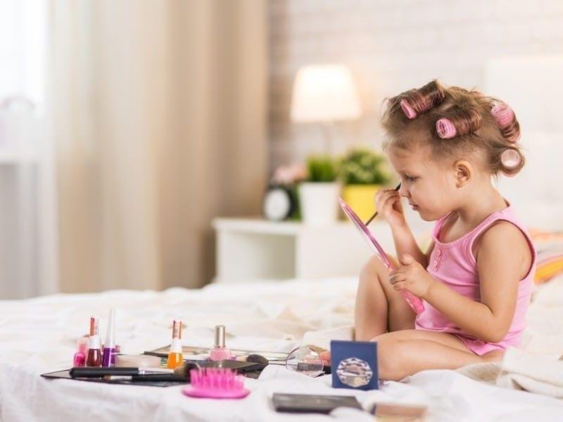 Косметика для детей: какую можно использовать