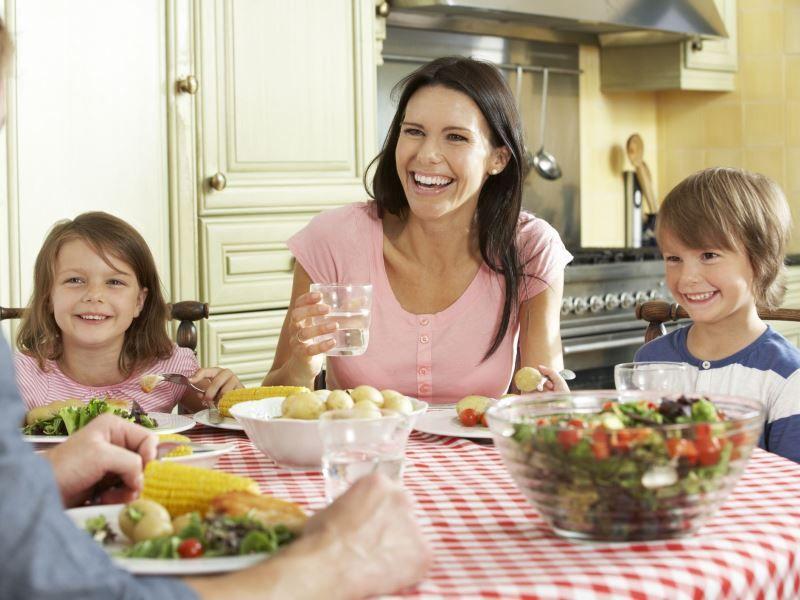 Как вести себя с ребенком в гостях