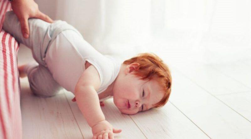 Что делать, если младенец упал