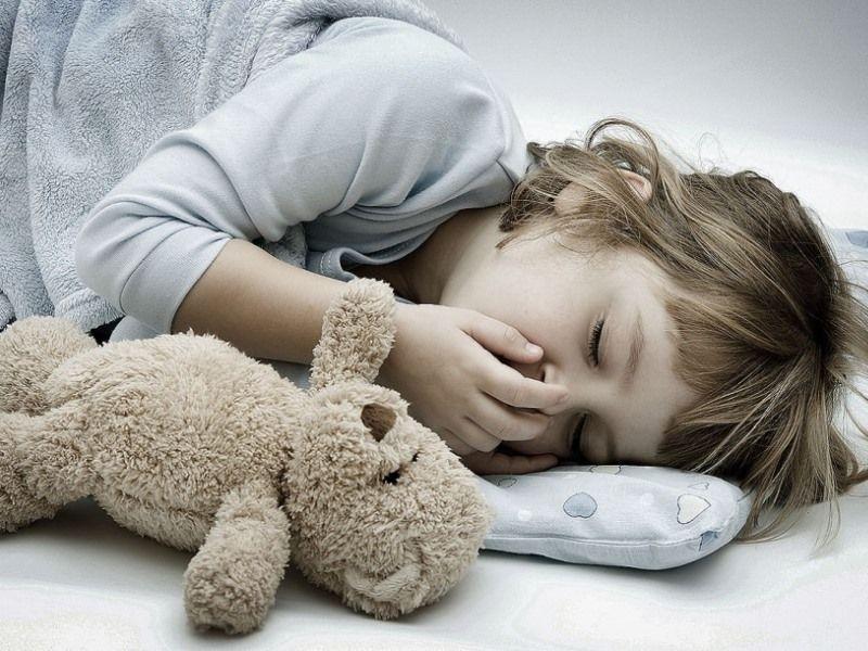 Отравление у детей: медикаментозное, бытовое, признаки и лечение
