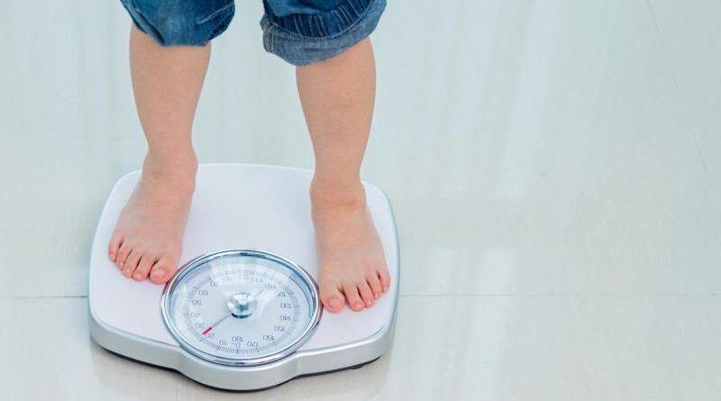 Избыточный вес у ребенка: проблема или нет, как решать