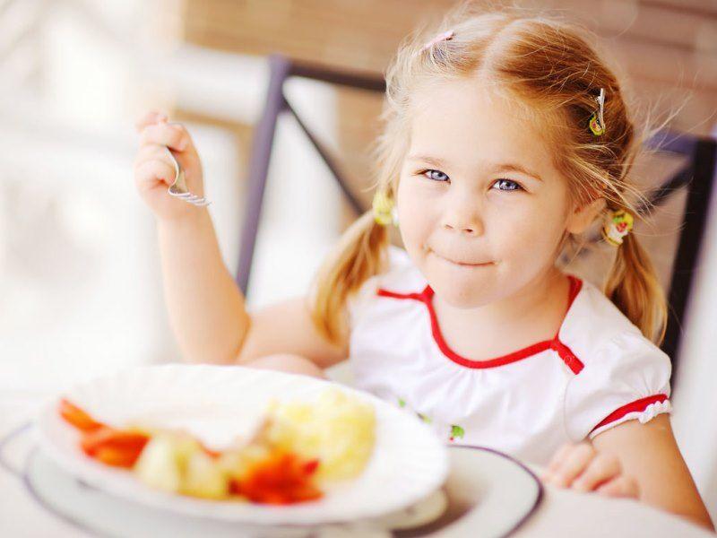 кормить ребенка летом