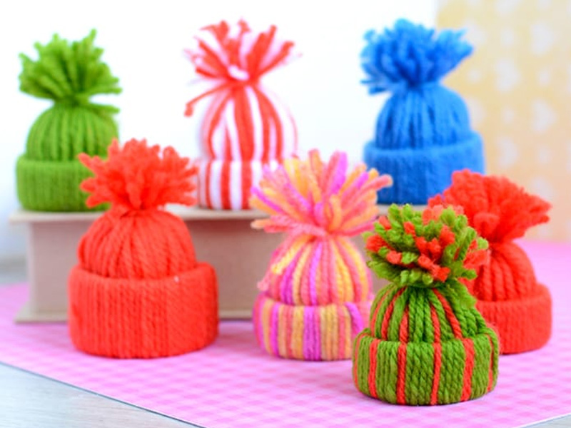 Елочные игрушки шапочки