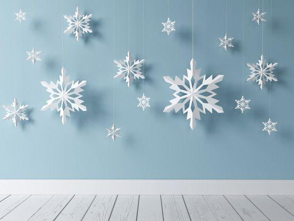 Вырезаем ажурные снежинки